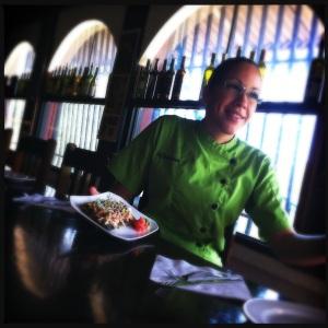 """Marimer García Nieves, una talentosa chef puertorriqueña entrenada como """"itamae"""" o chef de sushi en el Estado de la Florida."""