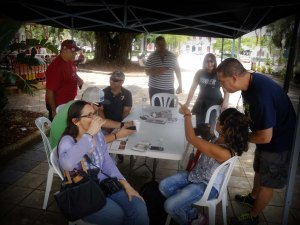"""Coriano y otros """"coffee junkies harde core"""" se dieron a la tarea de coordinar visitas a pueblos o regiones de las isla y las llaman """"Coffee Hopping"""""""